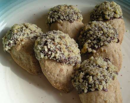 Walnut Acorn Cookies